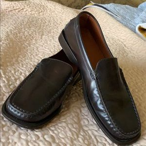 Tods sz 6 women's loafer